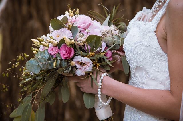 Gioielli e accessori sposa: come si scelgono?