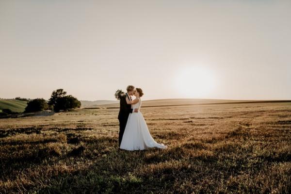 Come posticipare il matrimonio senza farsi prendere dal panico