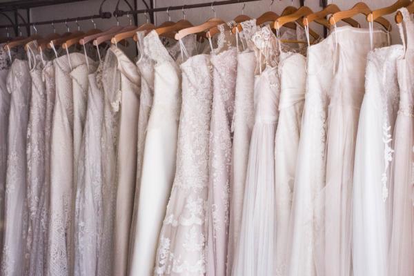 Tessuti degli abiti da sposa: tipologie e consigli