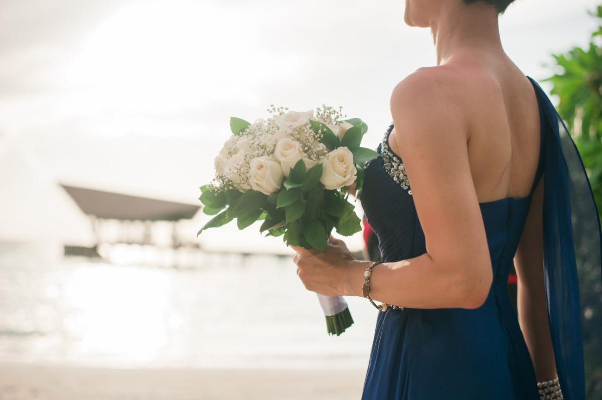 Come scegliere l'abito da cerimonia perfetto per il proprio fisico