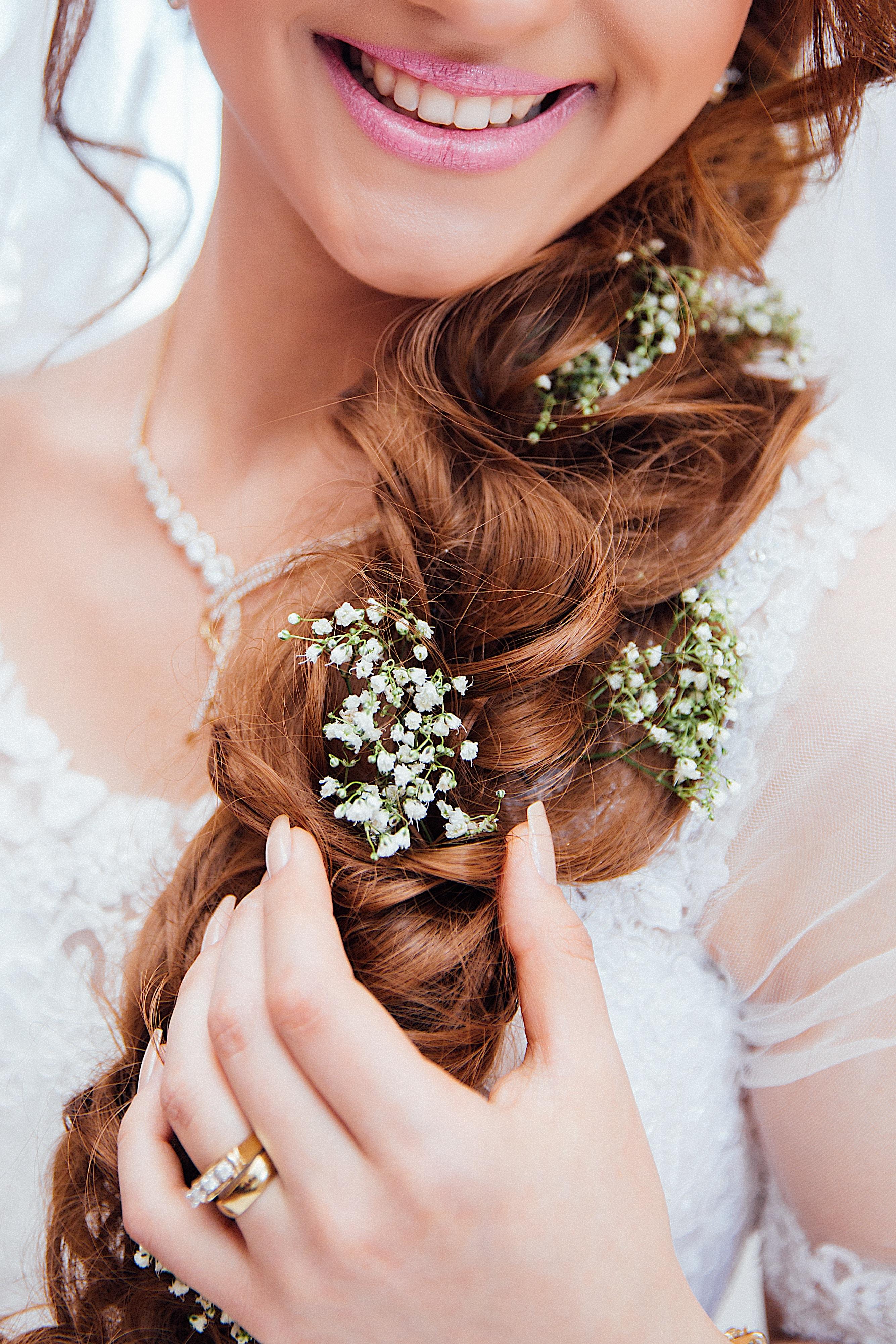 I gioielli e gli accessori sposa sono una parte fondamentale del look  nuziale a07579bee60