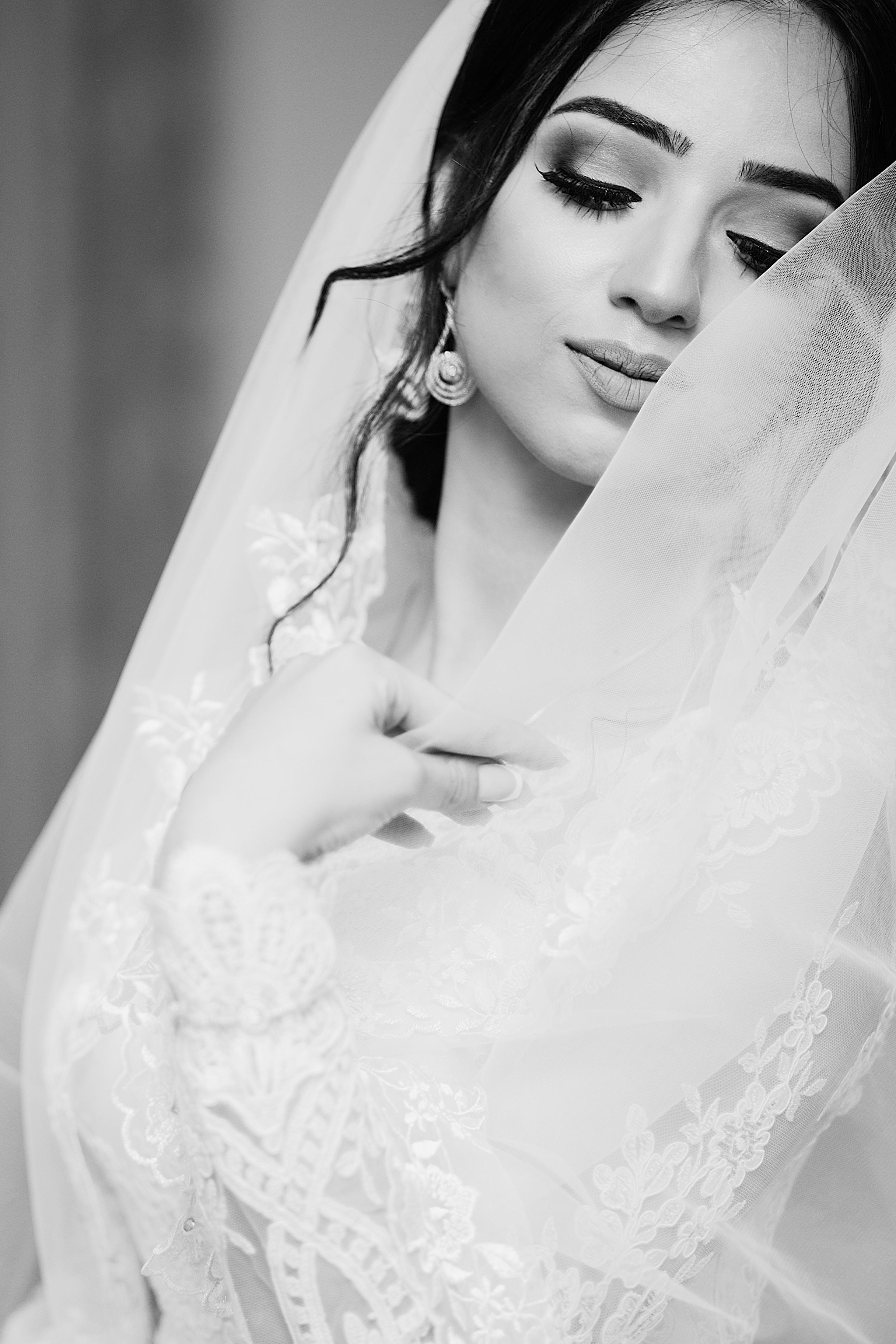 e992eb0d8af1 Per la scelta dei gioielli sposa è opportuno valutare la forma del viso